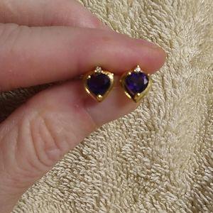 Amethyst earrings, set in 14kt yellow gold